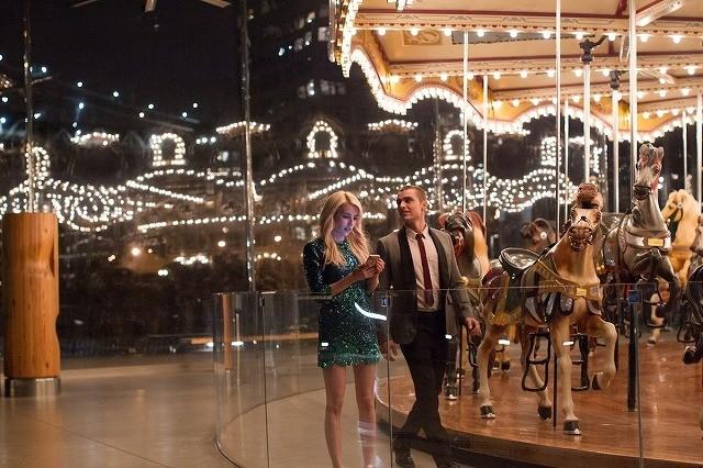 「NERVE」E・ロバーツ&D・フランコのロマンティックな劇中カット公開
