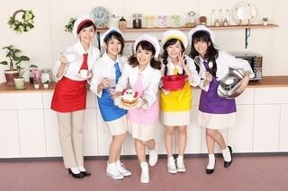「キラキラ☆プリキュアアラモード」に出演 する(左から)森なな子、村中知、美山加恋、 福原遥、藤田咲「アニマル」