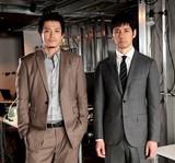 小栗旬&西島秀俊、民放連ドラ初共演!テロと対峙する「CRISIS」で過激アクション