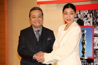 司会を務める西田敏行と安藤サクラ「怒り」
