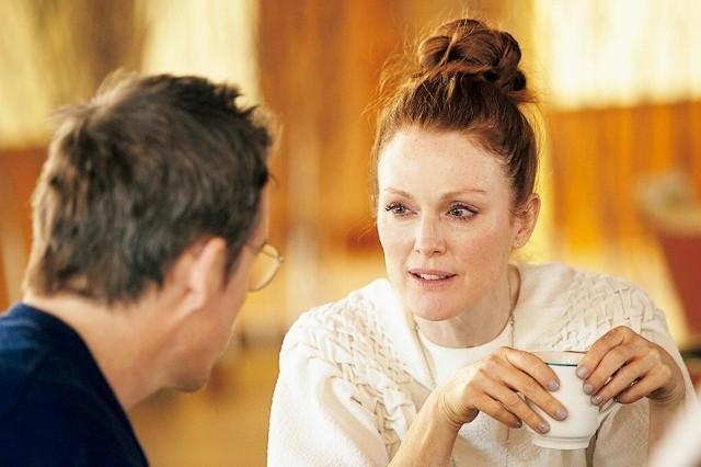 """略奪相手が元夫を""""返却""""!前妻演じたジュリアン・ムーア、「マギーズ・プラン」の三角関係はよくある話?"""