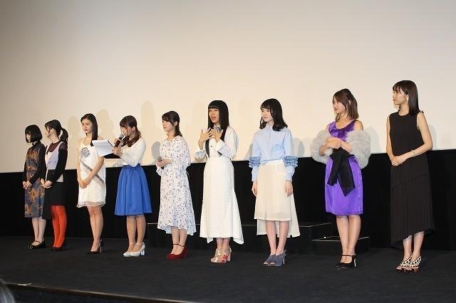 浜辺美波、主演「咲」舞台挨拶後にエゴサーチ!?「みんなで仲良く、感想を拝見します」