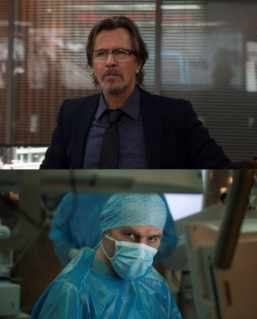 オールドマンがCIA支局長、ジョーンズが脳外科医に扮した