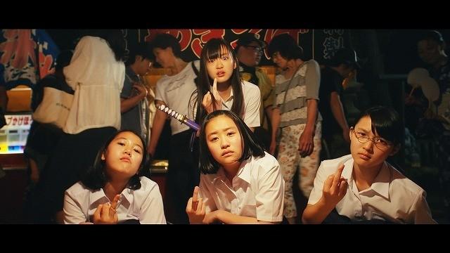 """""""金魚事件""""を描く短編「そうして私たちはプールに金魚を、」がサンダンス映画祭でグランプリ!"""