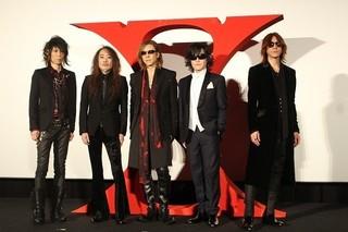 「X JAPAN」YOSHIKI、感激に声震わせファンに感謝 メンバー5人が六本木に降臨