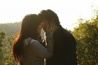永瀬正敏&水崎綾女が光に包まれてキス…河瀬直美監督作「光」特報完成