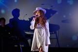JUJU「パッセンジャー」日本版テーマ曲をライブ初披露!星空演出で場内魅了