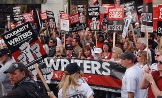 2007年にストライキを行った米脚本家組合(WGA)