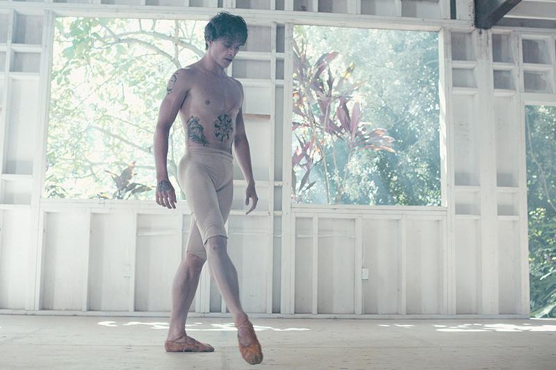 バレエ界の異端児を追うドキュメンタリー「ダンサー、セルゲイ・ポルーニン 世界一優雅な野獣」予告