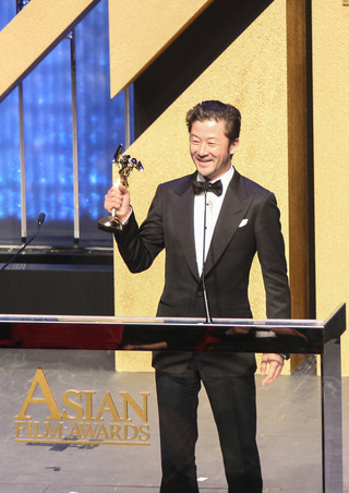 史上初!2年連続でアジア・フィルム・アワード受賞の浅野忠信が喜び語る