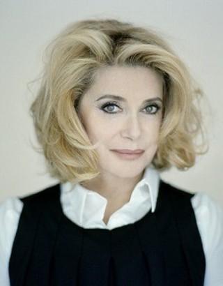 フランスの大女優が来日!「ルージュの手紙」