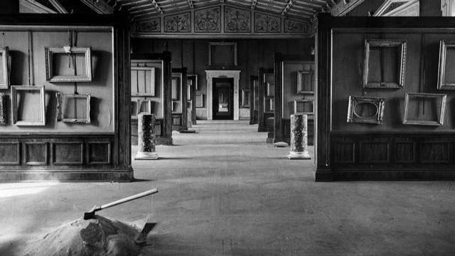 第2次大戦下に、絵画を疎開させた 後のエルミタージュ美術館