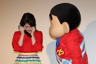 志田未来、映画「クレしん」舞台挨拶で号泣「夢が叶って嬉しい」