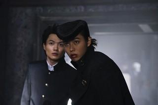 山崎賢人ら実写「ジョジョ」俳優陣が撮影語る 特徴的ビジュアルの手応えは?