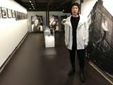 永瀬正敏、小豆島で写真展「flow」開催 写真師だった亡き祖父への思いを吐露