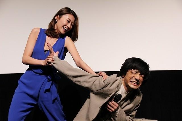 「破裏拳ポリマー」原幹恵、ジャッキー・チェンそっくりさんに関節技決める!