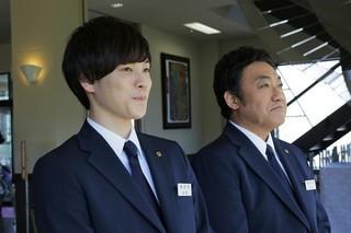 主人公の相棒役は若手俳優・柾木玲弥「ゆずりは」