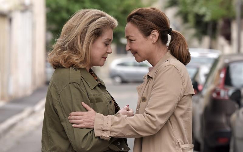 カトリーヌ・ドヌーブ×カトリーヌ・フロ、2大仏女優が共演「ルージュの手紙」公開