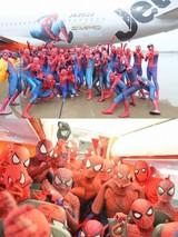 """世界初、スパイダーマン仕様の""""スパイダージェット""""が運行開始!40人のコスプレイヤーが歓喜"""
