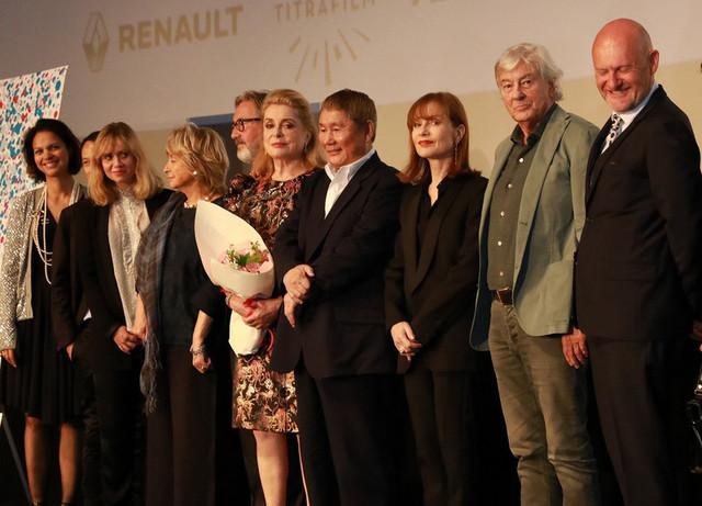 フランス映画祭2017開幕 C・ドヌーブ登場に会場歓喜、北野武のジョークに大爆笑