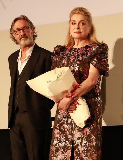 「ルージュの手紙」カトリーヌ・ドヌーブとマルタン・プロボ監督