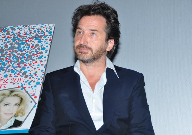 エドゥアール・ベール、監督・脚本・主演作の日本公開未定も「近くのカフェで売り込んで」