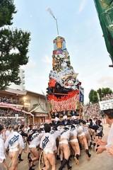 100万人の観衆が熱狂! 「スター・ウォーズ」山笠が博多の街を疾走