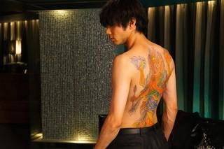 山田裕貴の背中に刺青が・・・!「闇金ドッグス」
