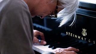 坂本龍一追ったドキュメンタリー、ベネチア映画祭出品決定!