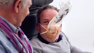 英大手航空会社の機内安全ビデオが豪華すぎる!イアン・マッケランら名優が出演