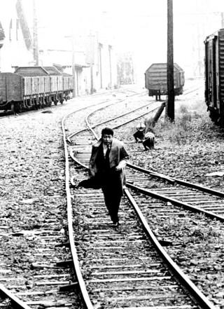 """「あしたはどっちだ、寺山修司」""""幻の市街劇""""を迫うドキュメンタリー冬公開"""