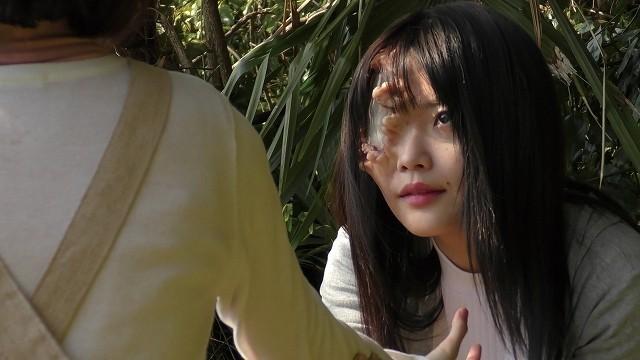 藤田恵名の顔が特殊メイクで異形に…