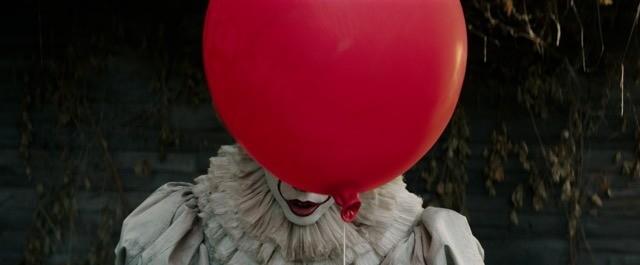 スティーブン・キング「IT」映画版、日本公開は11月3日!場面写真は風船の後ろに…