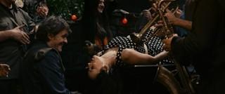 クストリッツァ監督の世界観に酔う「オン・ザ・ミルキー・ロード」本編映像公開!