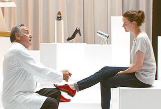 「ジュリーと恋と靴工場」不安定な境遇でも負けない!おしゃれなミュージカルシーン公開