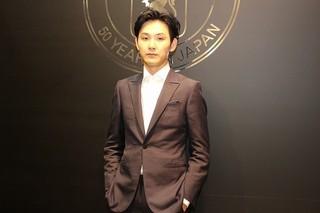 松田龍平、カンヌのレッドカーペットを経てランウェイに進出!?