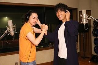ビートたけしの楽曲をカバーした 菅田将暉(左)と桐谷健太「火花」
