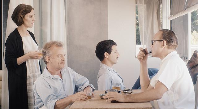 天才ふたりが建築論を激しく交わす! 「ル・コルビュジエとアイリーン」本編映像