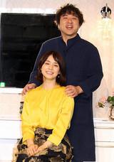 """ムロツヨシ、""""妻""""石田ゆり子にデレデレ「ウチのゆり子です」"""