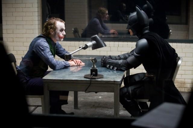 鬼気迫る演技を見せた故ヒース・レジャーさんと バットマン役のクリスチャン・ベール