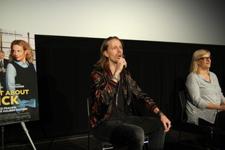 俳優のフレドリック・ワーグナー(左)とプロデューサーのベッティーナ・ブロケンパー「ハンナ・アーレント」