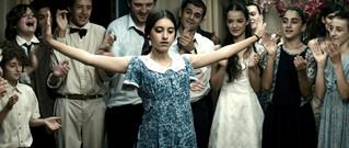 独立直後のジョージアで生きた少女たちの友情描く「花咲くころ」18年2月公開決定