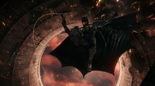 今度のバットマンはスカウトマン兼リーダー!「ジャスティス・リーグ」特別映像公開