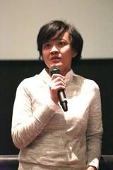 強盗&レイプ犯を成敗!ミイラの伝統残る島で闘う女描く インドネシアの西部劇風映画上映