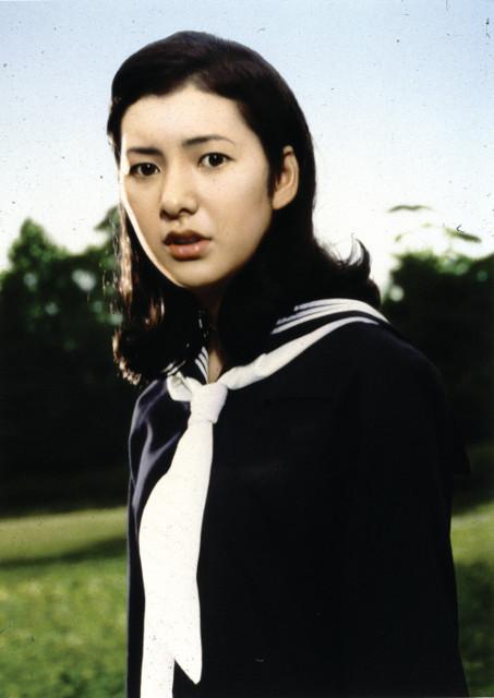 「おさな妻」「成熟」「遊び」…「大映女優祭」関根恵子の初々しい制服姿を披露