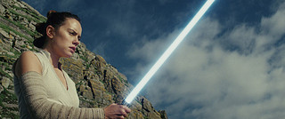 「スター・ウォーズ 最後のジェダイ」が宇宙で上映!