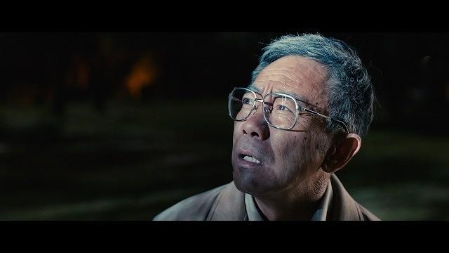 木梨憲武がジェットパックで新宿を飛ぶ!?「いぬやしき」衝撃の特報公開