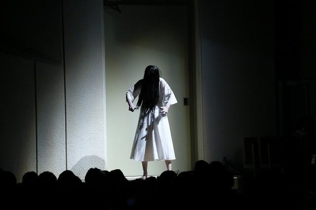 「リング」貞子が成人式に乱入! 厳かな式典は一変、新成人が阿鼻叫喚 - 画像2