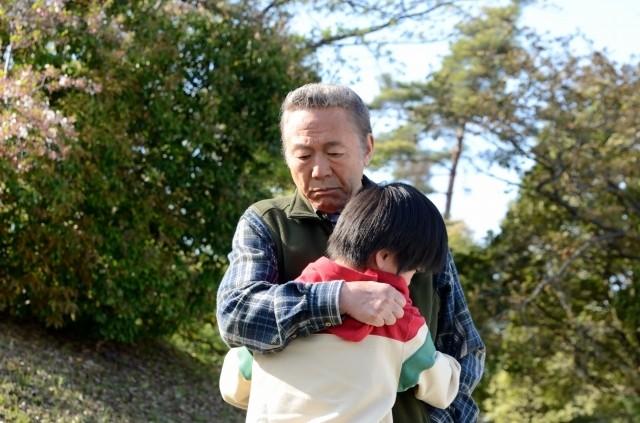 小林稔侍と壇蜜が親子役に挑戦 「星めぐりの町」日本の原風景とらえた冒頭映像公開