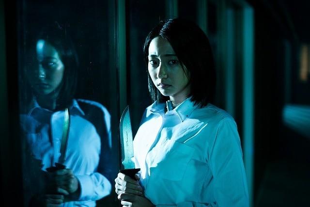 武田玲奈の凶器と制服が血に染まる「人狼ゲーム」第7弾の特報&劇中カット公開